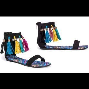 Muk Luks Sandals Tassels Size 9